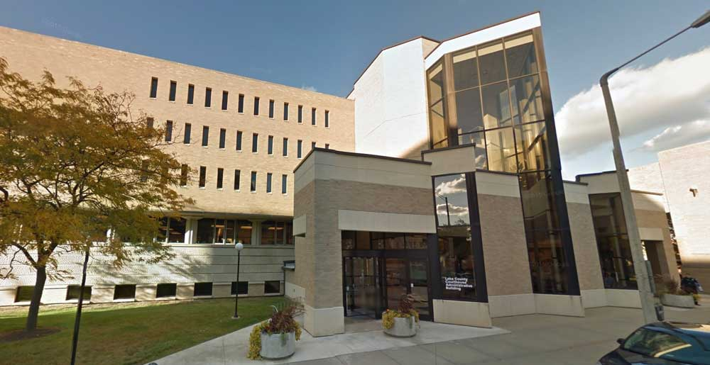 Lake County Circuit Court, the 19th Judicial Circuit, in Waukegan IL. Lake Cook Reporting provides Lake County IL court stenographers and court reporters for trials at this courthouse.